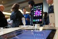 Apple sẽ trì hoãn bán iPhone LCD nhằm tránh 'nuốt thị phần' của iPhone X và X Plus