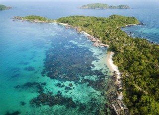 Vẻ đẹp khác lạ của đảo Ngọc nhìn từ cáp treo