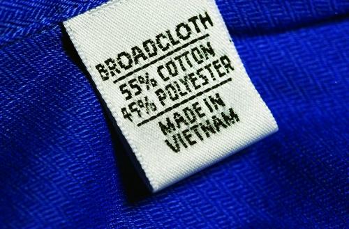 """Nhập nhằng hàng """"made in"""" Việt Nam"""