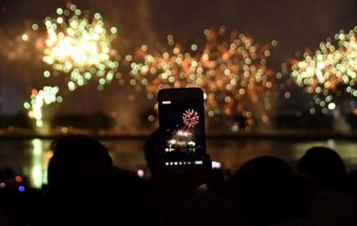 Thỏa sức trải nghiệm 4G Viettel tại lễ hội pháo hoa Đà Nẵng