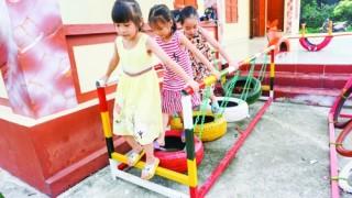 Sân chơi cho trẻ em từ vật liệu tái chế