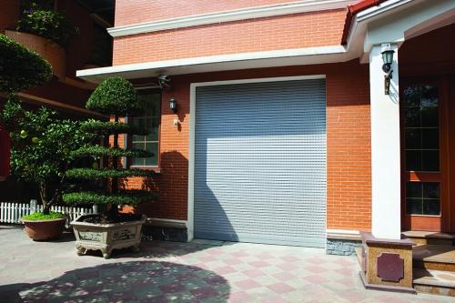 Cửa cuốn Eurowindow - Lựa chọn an toàn cho các công trình biệt thự, nhà phố