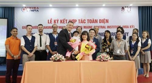 Hợp tác liên kết giáo dục quốc tế bậc THCS và THPT