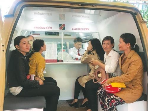 Mang dịch vụ ngân hàng đến xứ núi Đông Giang