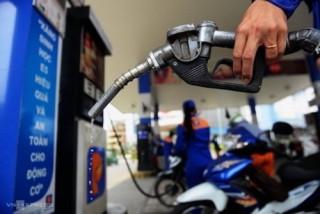 Giá xăng tăng mạnh lần thứ 2 liên tiếp, vượt mức 21.000 đồng/lít