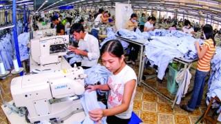 Tăng lương tối thiểu vùng: Bài toán hóc búa cho DN