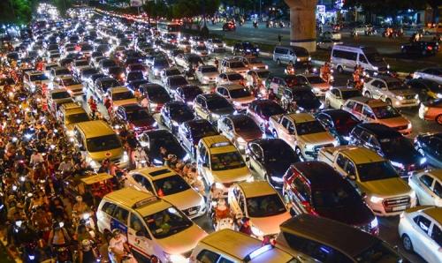 Xôn xao việc thu phí ô tô vào trung tâm thành phố