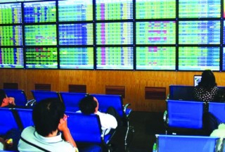 VN-Index tăng, thị trường phân hóa mạnh