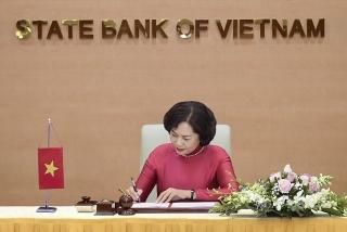 Thống đốc NHNN và Đại sứ Thụy Sỹ tại Việt Nam ký Thỏa thuận Dự án Đào tạo cán bộ quản lý ngân hàng