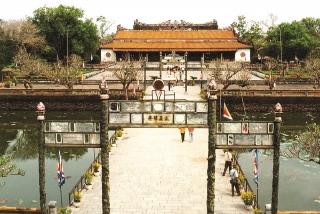 Trùng tu điện Thái Hòa: Cần sự thận trọng và đồng thuận