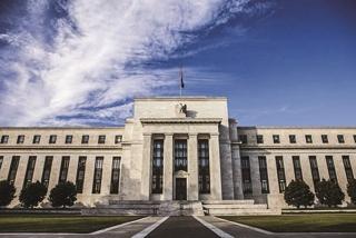 Trọng trách mới của các ngân hàng trung ương