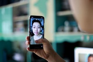 Quản lý người cách ly tại nhà bằng nhận diện khuôn mặt