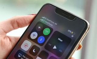Dịch vụ 'bẻ khóa' esim cho iPhone khóa mạng nở rộ