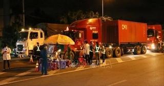 Chính phủ tháo gỡ khó khăn cho vận chuyển hàng hóa