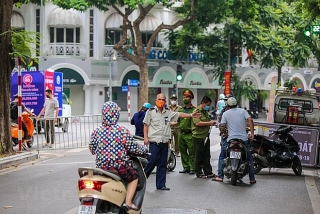 Hà Nội ban hành mẫu giấy đi đường cho người đủ điều kiện lưu thông