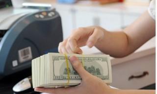 Nhiều ngân hàng giữ nguyên tỷ giá cho ngày cuối tuần