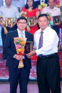 """VietABank đạt giải """"Thương hiệu vì cộng đồng 2015 """""""
