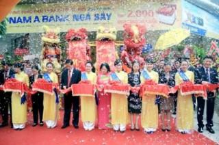 Nam A Bank khai trương trụ sở mới