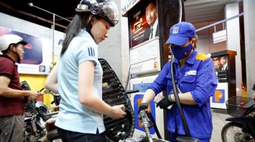 Giá xăng tiếp tục tăng gần 600 đồng/lít từ 15h hôm nay (4/8)