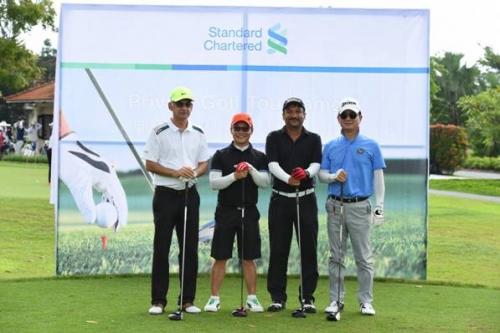 Standard Chartered Việt Nam mang ưu đãi chơi golf đến khách hàng