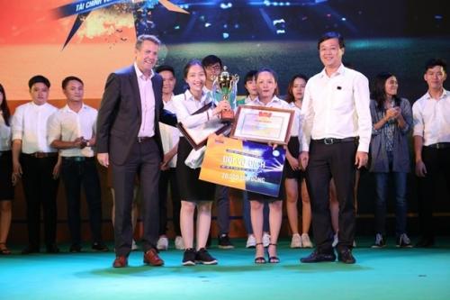 Cuộc thi Kỹ năng quản lý tài chính về đích