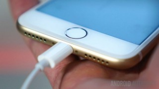 Châu Âu can thiệp, Apple sẽ phải bỏ cổng Lightning