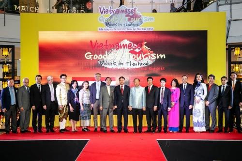 """Vietjet đồng hành cùng """"Tuần lễ Hàng hóa và Du lịch Việt Nam"""" tại Thái Lan"""