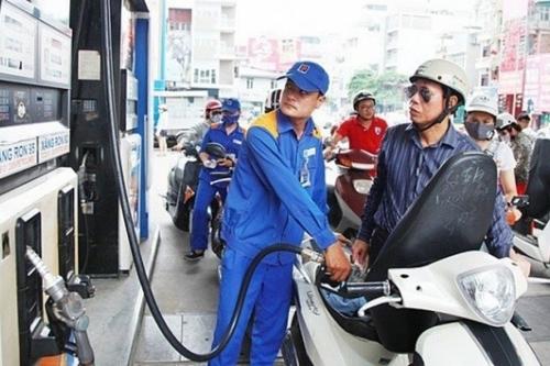 Giá xăng giảm nhẹ sau hai lần tăng liên tiếp