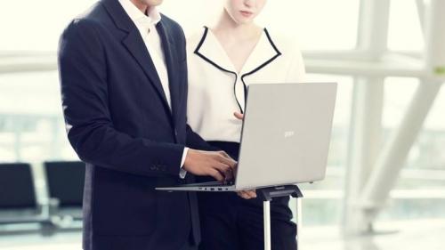 LG ra mắt Laptop LG Gram 17 inch nhẹ nhất thế giới