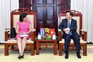 Phó Thống đốc Đào Minh Tú làm việc với Đại sứ Cộng hòa Cuba