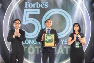 Kết quả kinh doanh ấn tượng, Vinamilk là doanh nghiệp niêm yết xuất sắc của Việt Nam và Châu Á