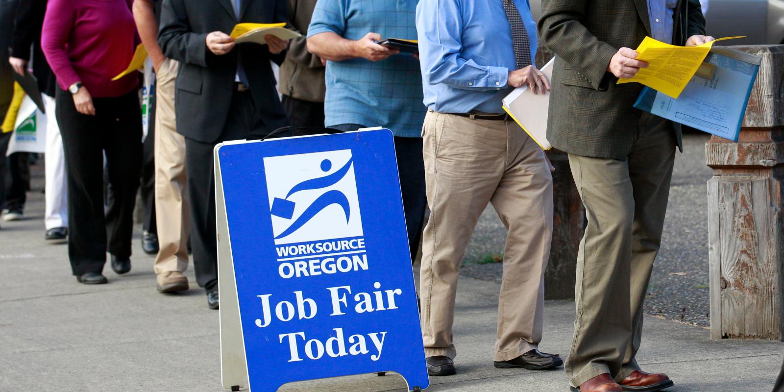 Sẽ có thêm tiền cho những người thất nghiệp?
