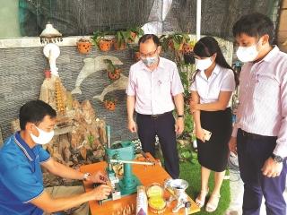 NHCSXH Đà Nẵng hỗ trợ người dân bị ảnh hưởng bởi dịch