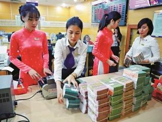 Ổn định thị trường tiền tệ, tạo điều kiện giảm thêm lãi suất