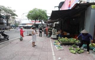 Chuyên gia khuyến cáo hạn chế đi chợ để tránh lây nhiễm COVID-19