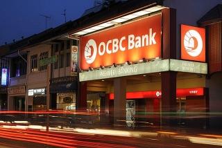 Các ngân hàng Singapore mạnh tay trả cổ tức