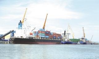 """""""Cuộc đua""""... nâng cấp cảng biển"""