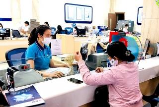 Ngân hàng bán lẻ thích ứng dần với dịch bệnh