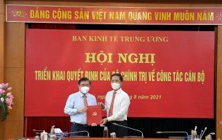 Trao quyết định điều động đồng chí Nguyễn Thành Phong giữ chức Phó Trưởng Ban Kinh tế Trung ương