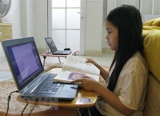 Dạy trực tuyến cho học sinh lớp 1, 2: Ưu tiên môn Toán và Tiếng Việt