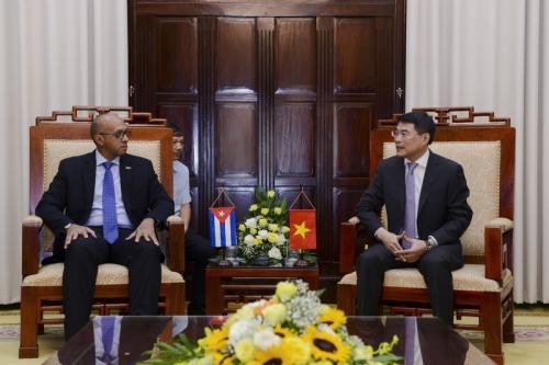 Đẩy mạnh hợp tác trong lĩnh vực ngân hàng giữa hai nước Việt Nam - Cu Ba