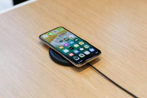 iPhone X: Người Mỹ thì thờ ơ, người Việt lại hào hứng đợi chờ