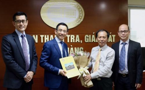 Trao Giấy phép thành lập và hoạt động Ngân hàng TNHH MTV UOB Việt Nam