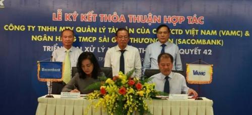 Sacombank và VAMC ký kết hợp tác xử lý nợ xấu