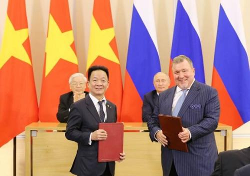 SHB hợp tác chiến lược với hai định chế tài chính Liên bang Nga