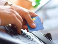 Sôi động phát hành thẻ tín dụng