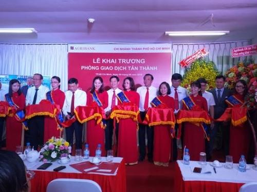 Agribank Tân Thành: Ưu đãi lãi suất cho thương nhân người Việt gốc Hoa