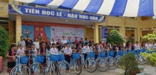 142 xe đạp, chăn ấm đến tay học sinh vùng khó khăn