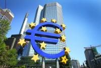 ECB hạ lãi suất, triển khai QE để vực dậy nền kinh tế