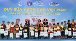 """Quỹ sữa Vươn Cao Việt Nam: Nỗ lực vì sứ mệnh: """"Để mọi trẻ em đều được uống sữa mỗi ngày"""""""